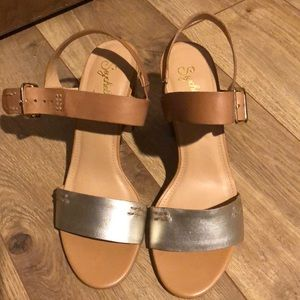 New Seychelles Never worn! 7.5